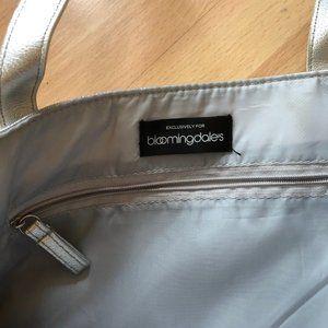 Bloomingdale's Bags - NWOT Bloomingdales Silver Bag